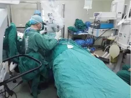 喜讯:华西首例MS电极人工耳蜗植入手术成功实施